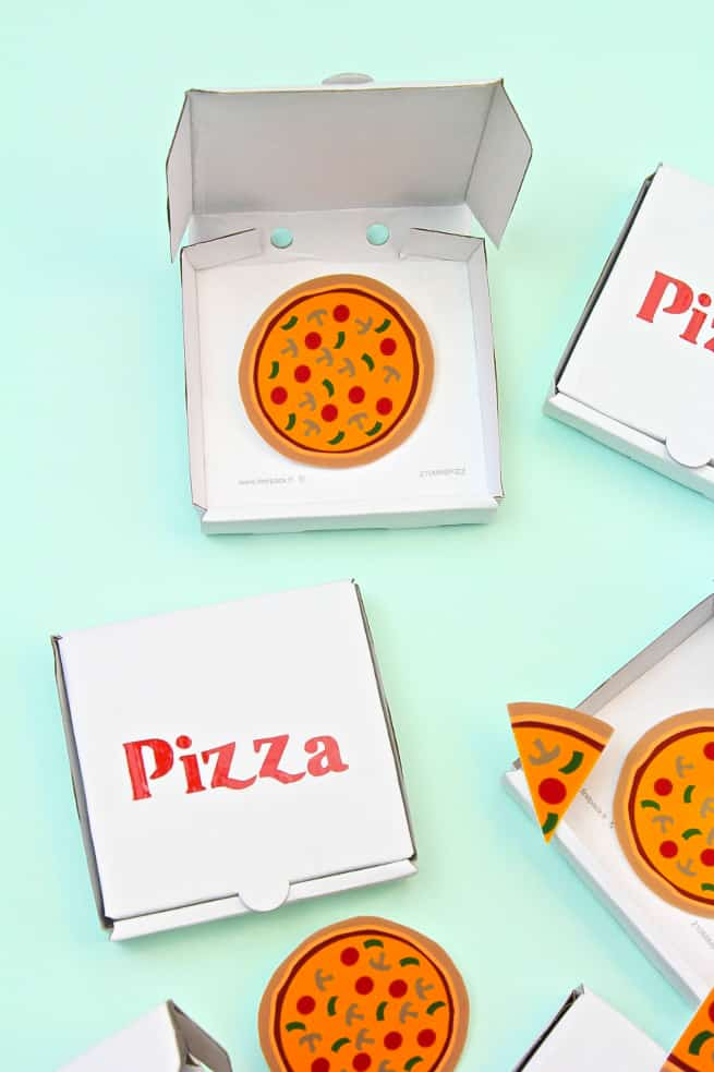 DIY Pizza Brooches
