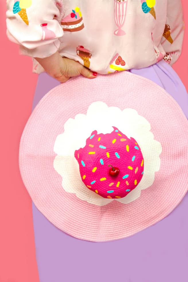 DIY Splattered Ice Cream Beach Hat -1