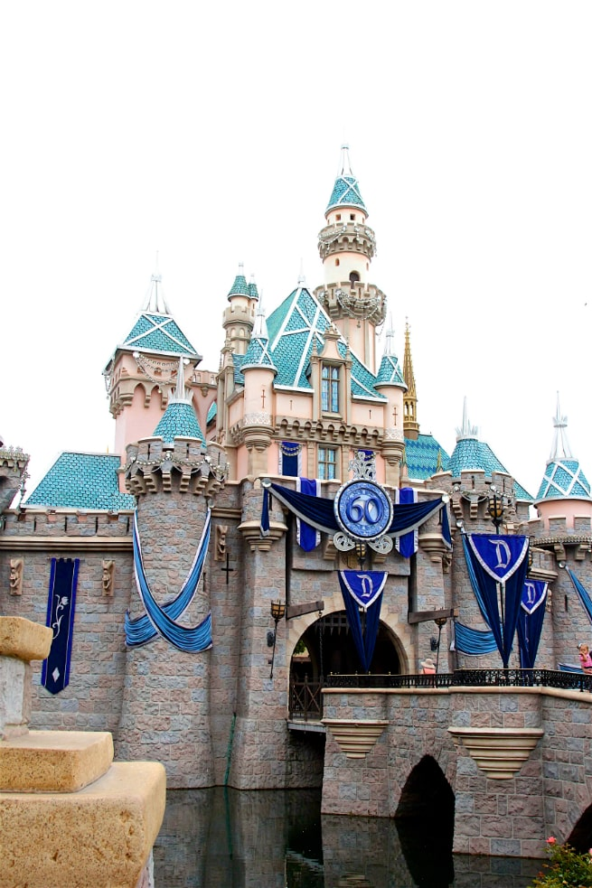 Diamond Celebration Disneyland 1