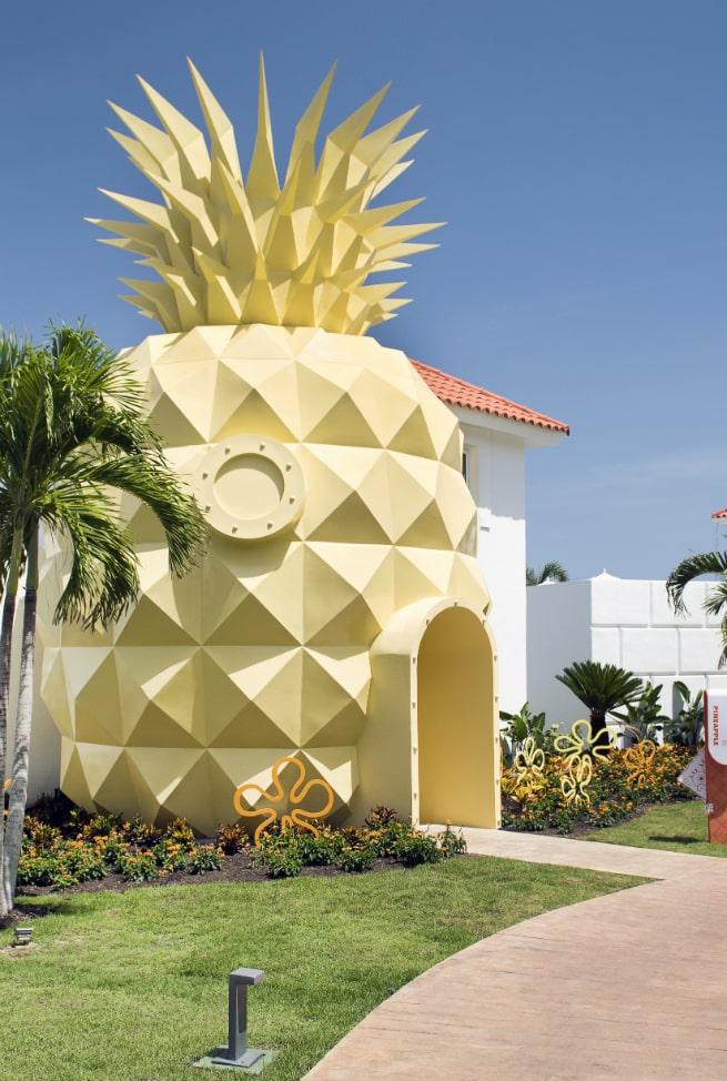 PineappleVilla
