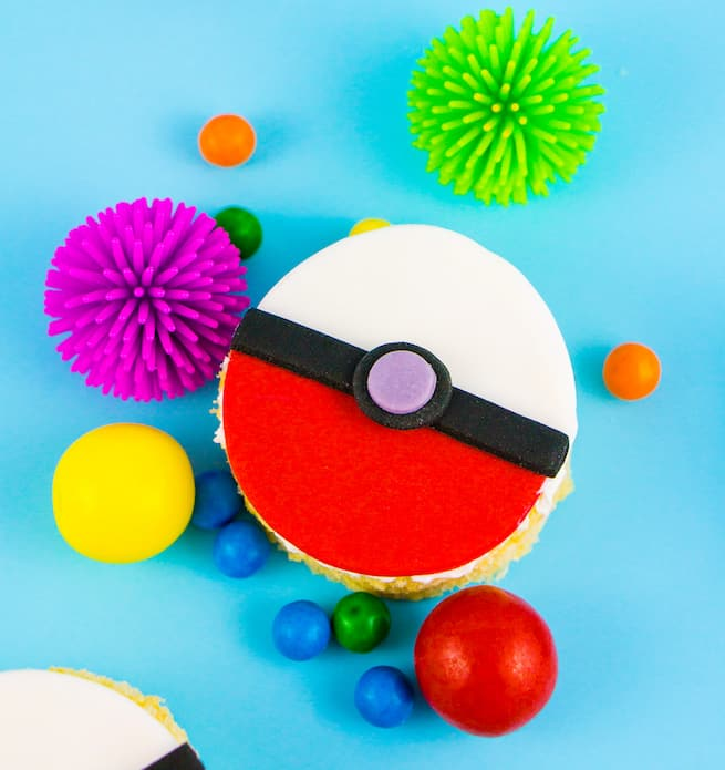 pokeball-rice-krispy-treat