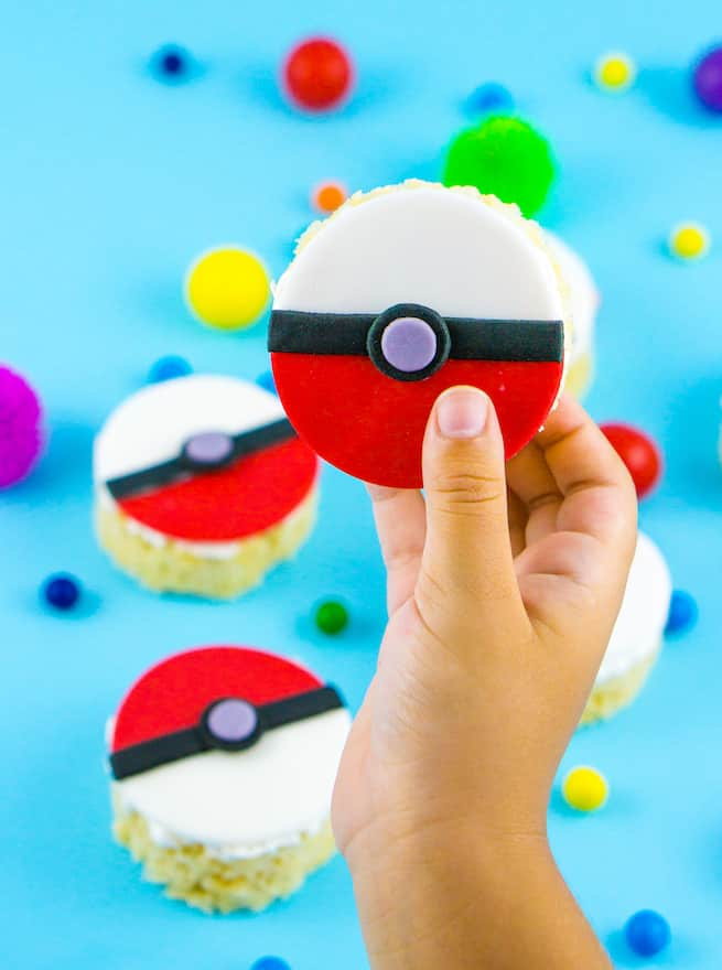 pokeball-rice-krispy-treats-step-3
