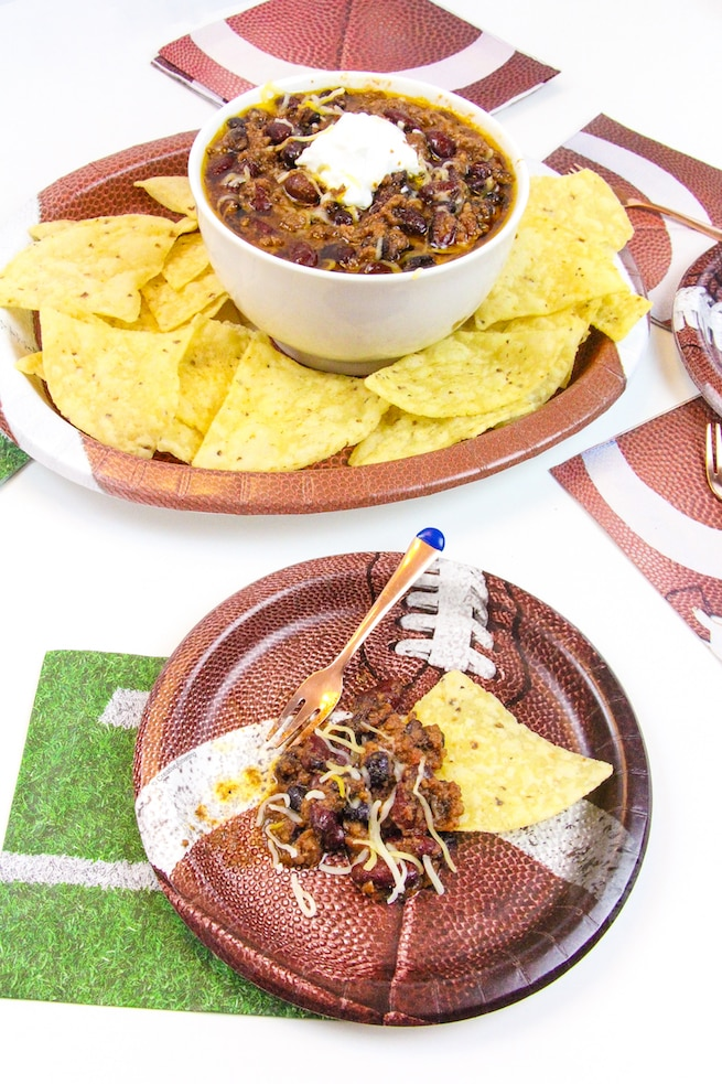 crock-pot-tailgating-chili-recipe-main