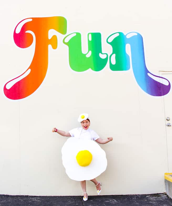 cute-diy-fried-egg-costume