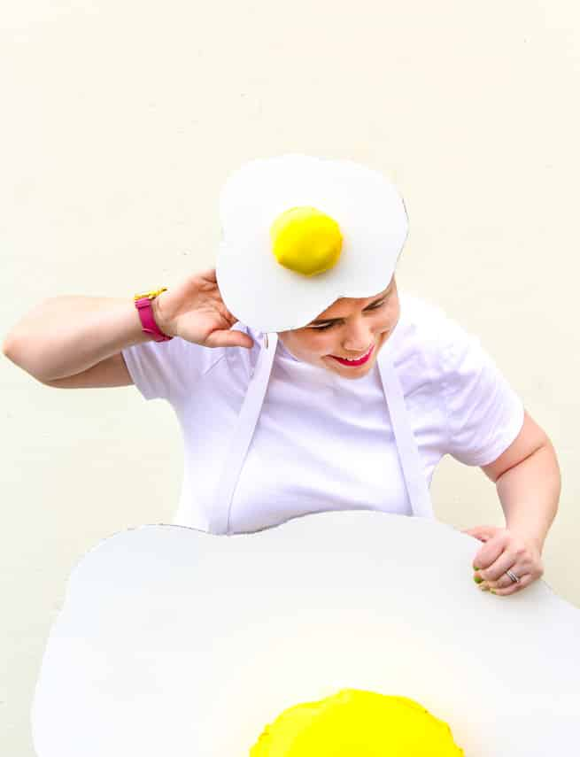diy-fried-egg-costume-hat