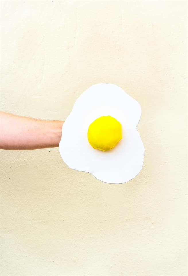 diy-fried-egg-costume-head-piece