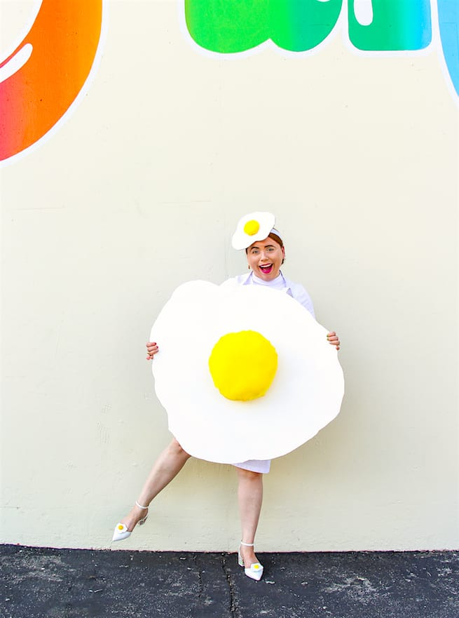 fun-diy-fried-egg-costume