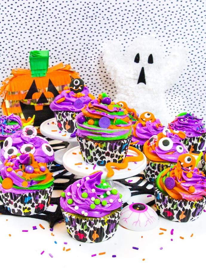 lisa-frank-inspired-hallowee-cupcakes