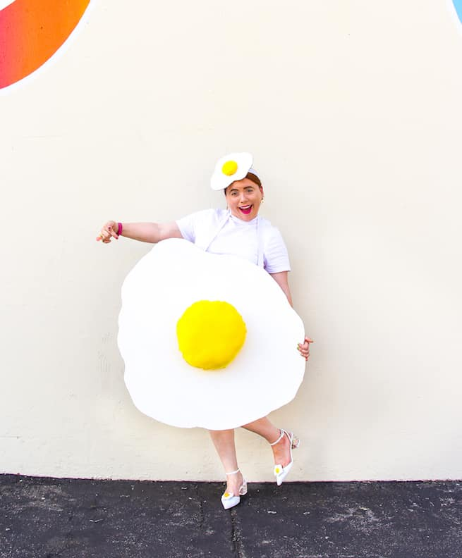 quick-diy-fried-egg-costume