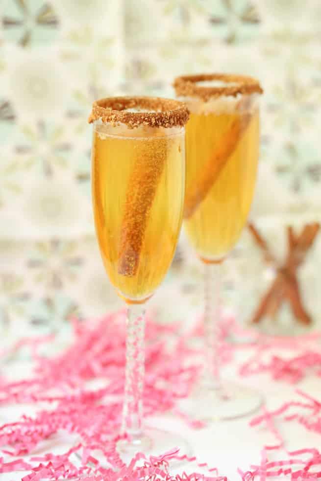 apple-pie-mimosa-drink-recipe