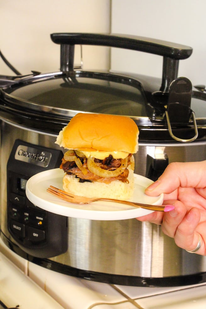 crock-pot-baby-back-rib-slider-with-pumpkin-mayo
