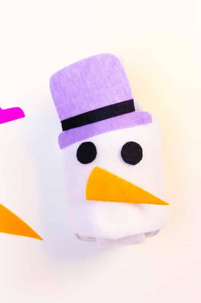 diy-snowman-mini-water-bottle-sleeves-step-3