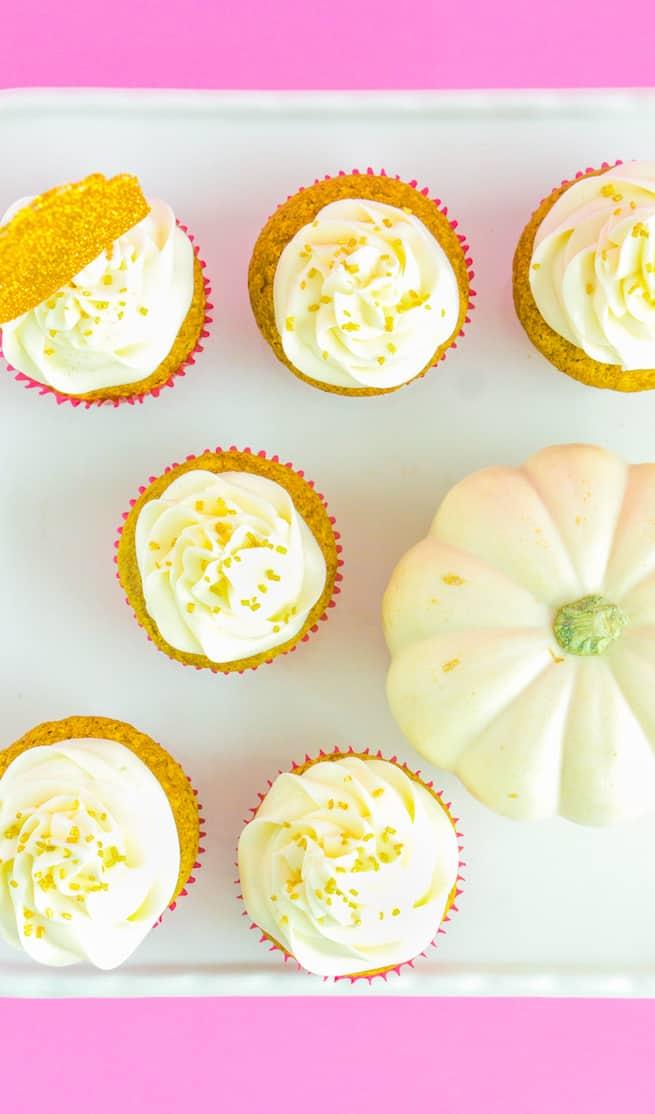 glam-thanksgiving-pumpkin-spice-cupcakes-2