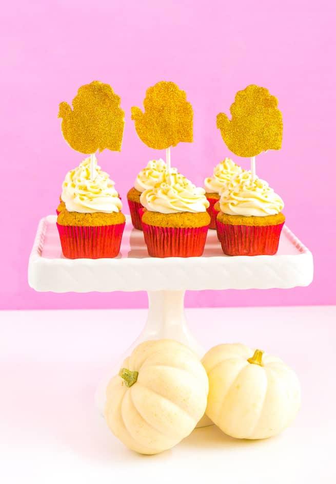 glam-thanksgiving-pumpkin-spice-cupcakes
