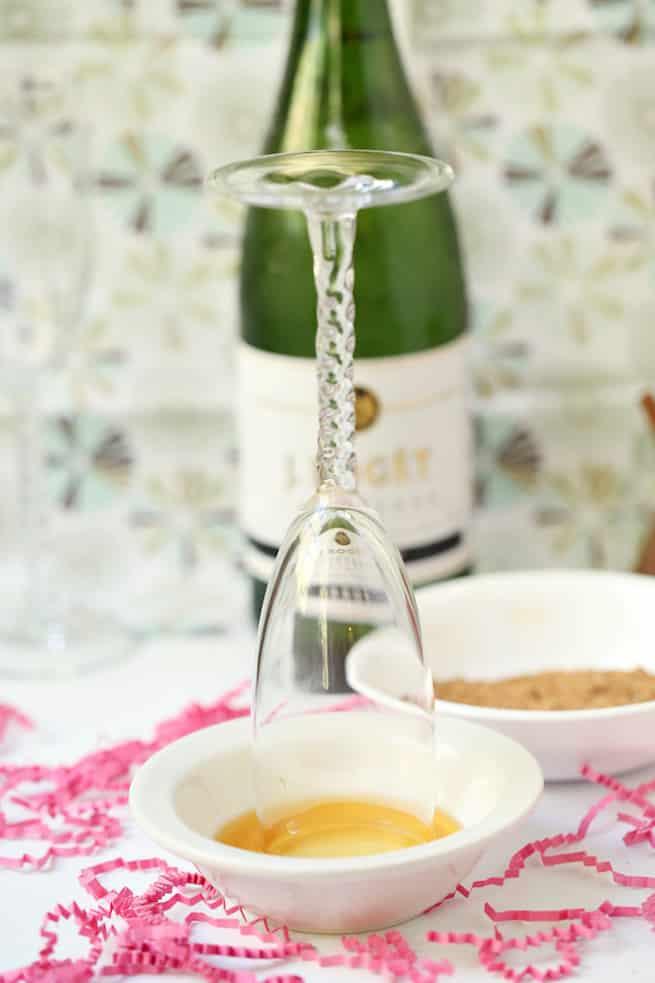 thanksgiving-apple-pie-mimosa-drink-recipe-step-1