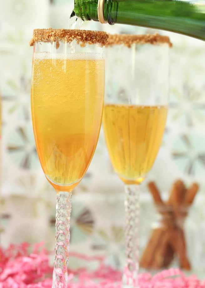 thanksgiving-apple-pie-mimosa-drink-recipe-step-5