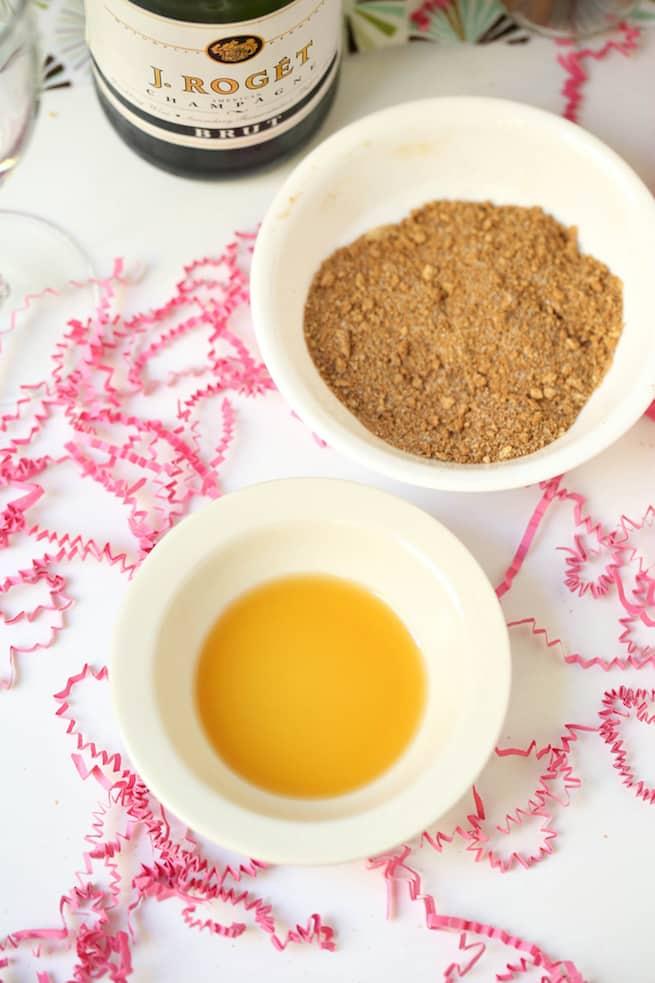 thanksgiving-apple-pie-mimosa-drink-recipe-supplies
