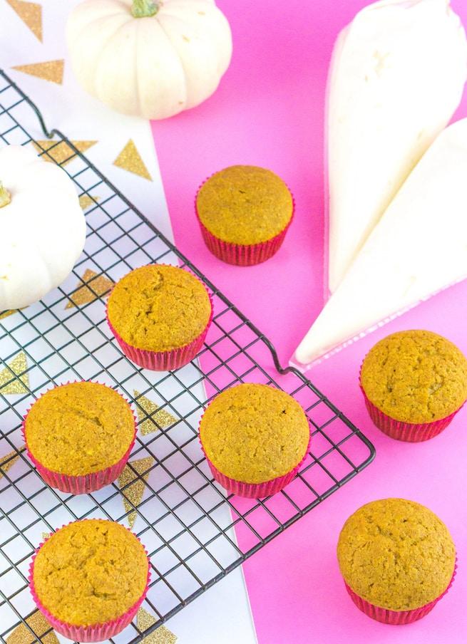 thanksgiving-glam-pumpkin-spice-cupcakes-step-2