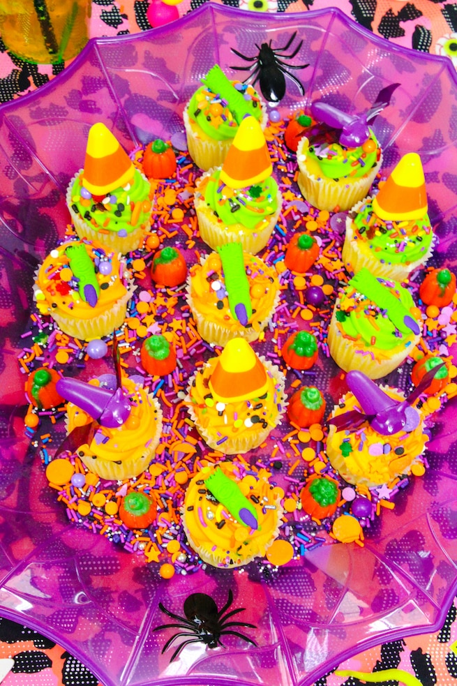 lisa-frank-inspired-halloween-party-mini-cupcakes-4