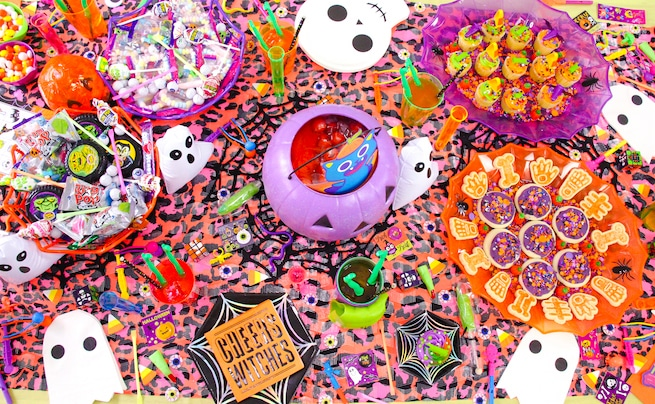 lisa-frank-inspired-halloween-party-tablescape