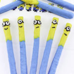Easy DIY Minions Chocolate Pretzels!