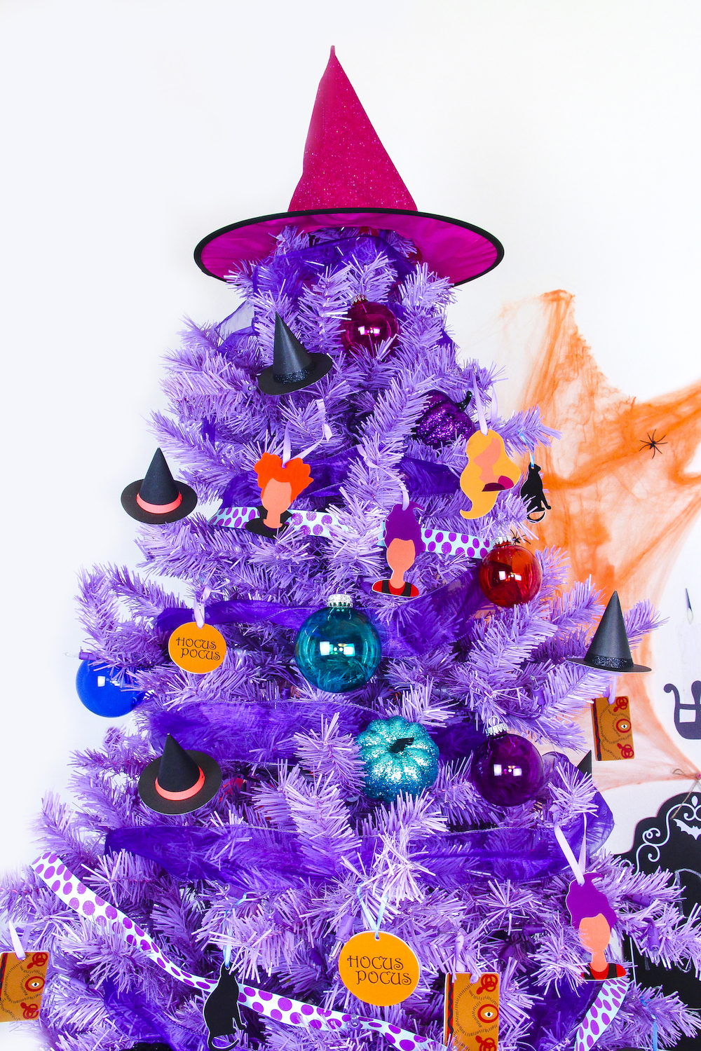 Diy Hocus Pocus Themed Halloween Tree Brite And Bubbly