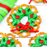 Festive Chocolate Pretzel Wreaths!