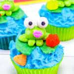 Summer Lily Pad Frog Cupcakes!