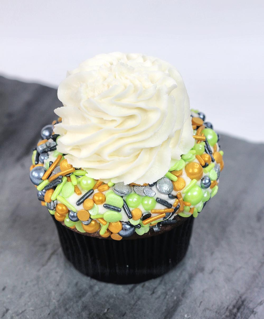 Loki Cupcake Step 1 add frosting and sprinkles