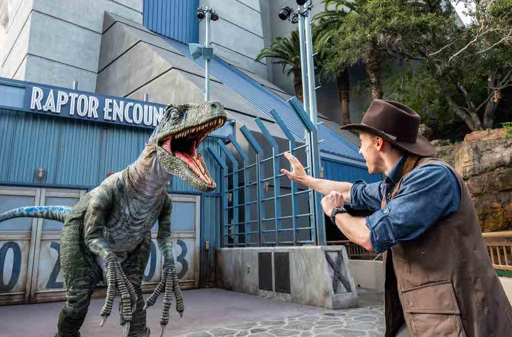 Jurassic World Raptor Encounter